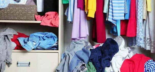 هرگز لباسهای کثیف را در کمد لباسهای تمیزتان قرار ندهید